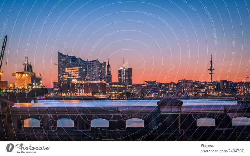 Schönste Stadt Skyline XI Hafenstadt Turm Bauwerk Gebäude Architektur Sehenswürdigkeit Wahrzeichen Elbphilharmonie Michaeliskirche Kehrwiederspitze Hamburg