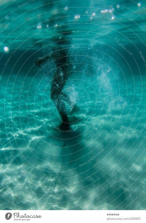 Wasserwanderung Mensch Frau Wasser grün Ferien & Urlaub & Reisen Meer Sommer Erwachsene Erholung Freiheit Sand Beine Luft Wellen Schwimmen & Baden laufen
