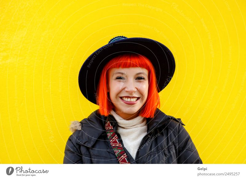 Frau Mensch Sommer schön Farbe Freude Straße Erwachsene Lifestyle gelb Herbst Stil Glück Mode hell modern