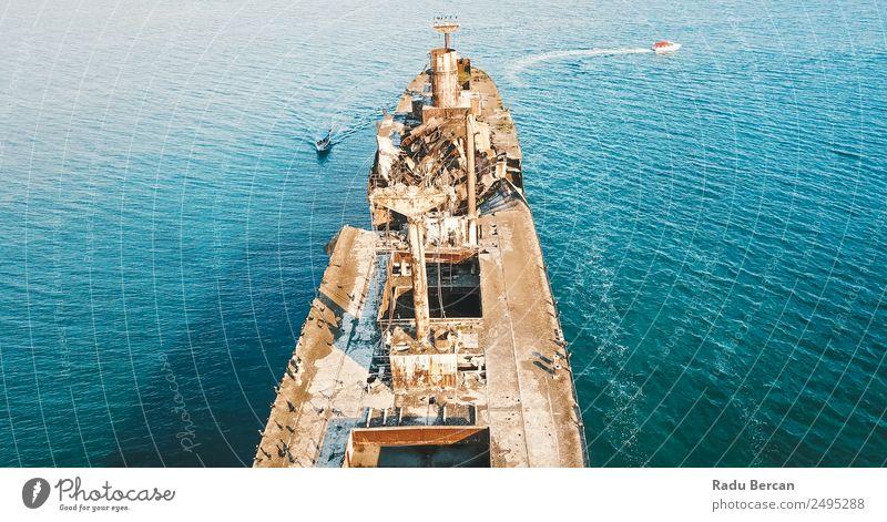 Natur alt blau Farbe Landschaft Meer Einsamkeit Umwelt Angst Verkehr Wellen dreckig Abenteuer bedrohlich Neugier Schifffahrt