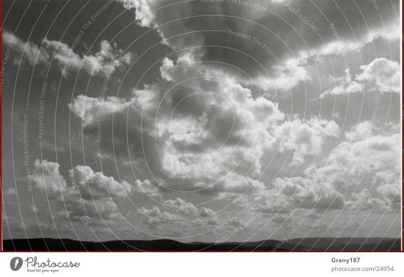 Heaven Schwarzweißfoto Licht Panorama (Aussicht) Landschaft Himmel Wolken Wetter fantastisch schön blau Gefühle Stimmung Leben Natur Wolkenhimmel groß