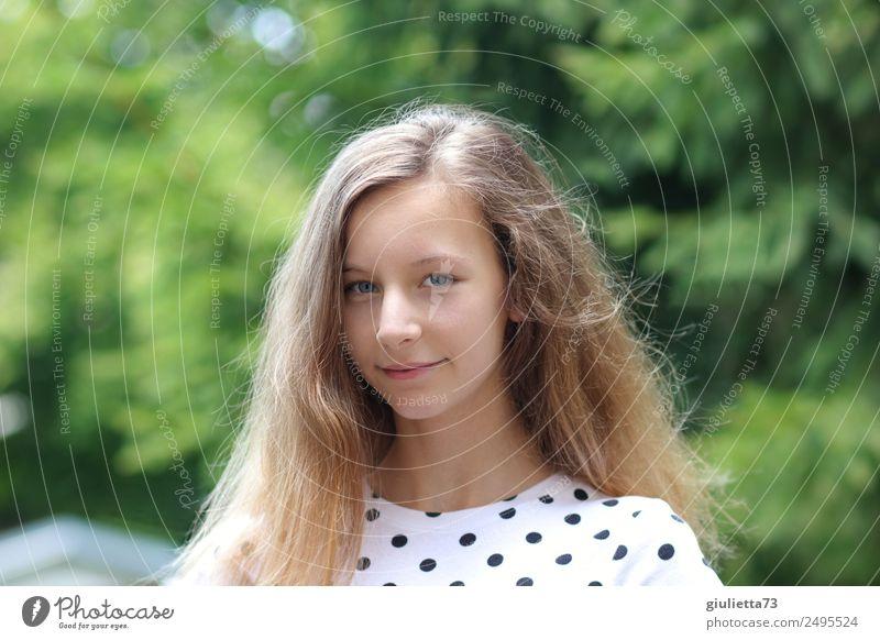 Summer smile feminin Mädchen Junge Frau Jugendliche Leben 1 Mensch 8-13 Jahre Kind Kindheit 13-18 Jahre Sommer Schönes Wetter Garten blond langhaarig Lächeln