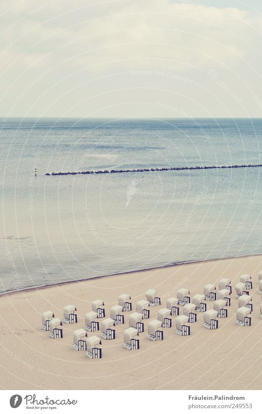 Erholsame Ordnung. Natur Ferien & Urlaub & Reisen Sommer Meer Strand ruhig Erholung Landschaft Sand Küste Horizont Deutschland Wellen Schwimmen & Baden Europa Schönes Wetter