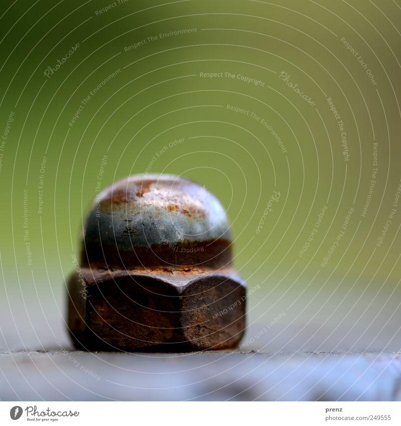 head nut Industrie Technik & Technologie Metall Stahl Rost braun grün Schraube Schraubenmutter Kugel Reflexion & Spiegelung 1 einzeln Farbfoto Außenaufnahme
