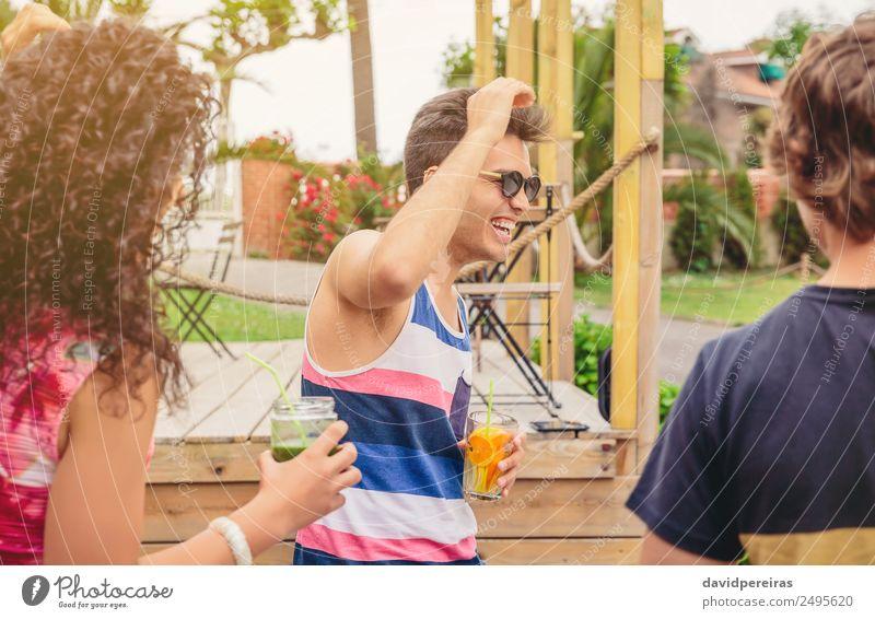 Frau Mensch Ferien & Urlaub & Reisen Mann Sommer schön grün Freude Erwachsene Lifestyle sprechen lachen Glück Garten Feste & Feiern Menschengruppe