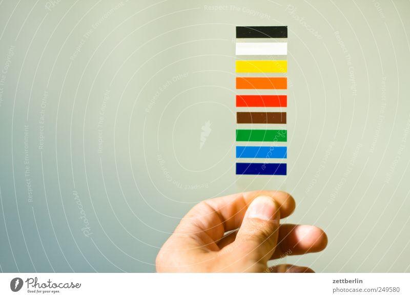 Leben im Farbraum Hand Design Streifen Medien Dienstleistungsgewerbe gestreift Regenbogen Werbebranche Printmedien Druckerei spektral regenbogenfarben