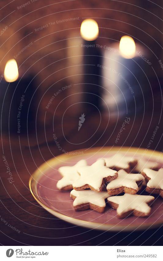 In der Weihnachtsbäckerei... Kaffeetrinken Weihnachten & Advent kuschlig Kerze Kerzenstimmung Zimtstern Plätzchen gemütlich lecker Warmes Licht Backwaren