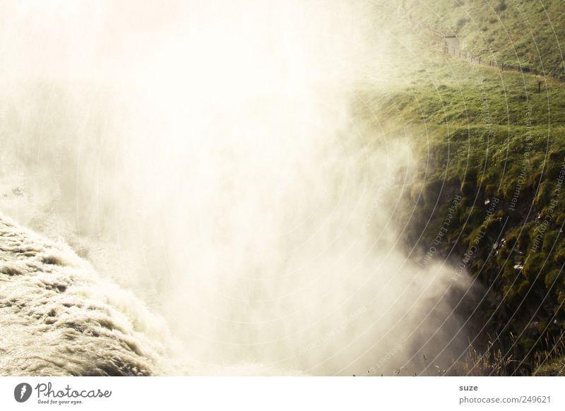 Naturgewalt grün weiß Wasser Landschaft Umwelt Berge u. Gebirge außergewöhnlich Felsen Nebel wild Klima Urelemente bedrohlich Fluss tief