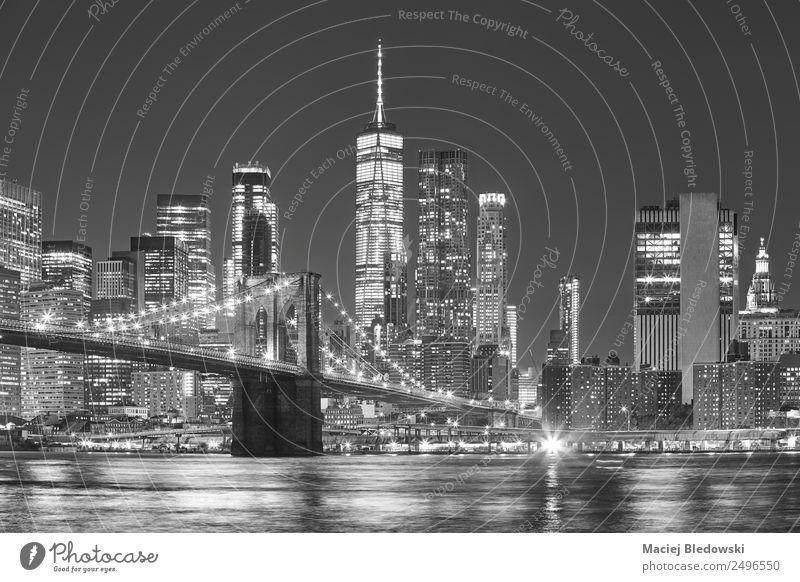 Himmel Stadt weiß schwarz Architektur Gebäude Arbeit & Erwerbstätigkeit Büro modern Hochhaus elegant Erfolg USA einzigartig Fluss Sehenswürdigkeit