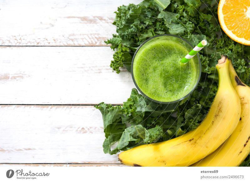 Grünkohl Smoothie mit Banane und Orange Milchshake Getränk trinken grün Entzug Gesundheit Gesunde Ernährung Frucht Vitamin Superfood Vegane Ernährung