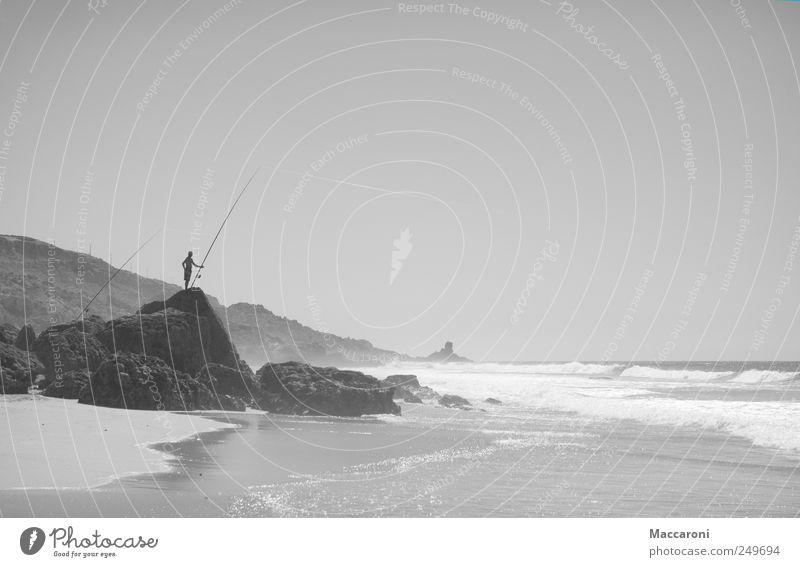 Extreeeme Angeling Mensch Wasser Meer Einsamkeit Erholung ruhig Strand Umwelt Felsen Arbeit & Erwerbstätigkeit Freizeit & Hobby Wellen Idylle Wind warten