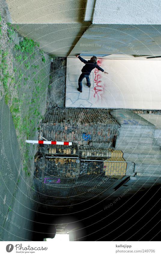 my circus is the street Mensch Mann Erwachsene Fassade maskulin stehen Brücke Ecke Tunnel Durchgang Le Parkour Unterführung