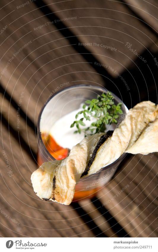 paprika mit oliven tapenade Lebensmittel genießen Gemüse Kräuter & Gewürze Brot Duft Bioprodukte Abendessen exotisch Festessen Picknick Backwaren Teigwaren