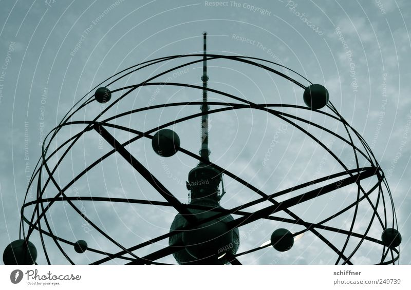Mir schwirrt der Kopf, Liebling! Hauptstadt Stadtzentrum Turm Observatorium Bauwerk Antenne Sehenswürdigkeit Wahrzeichen dunkel Fernsehturm Alexanderplatz