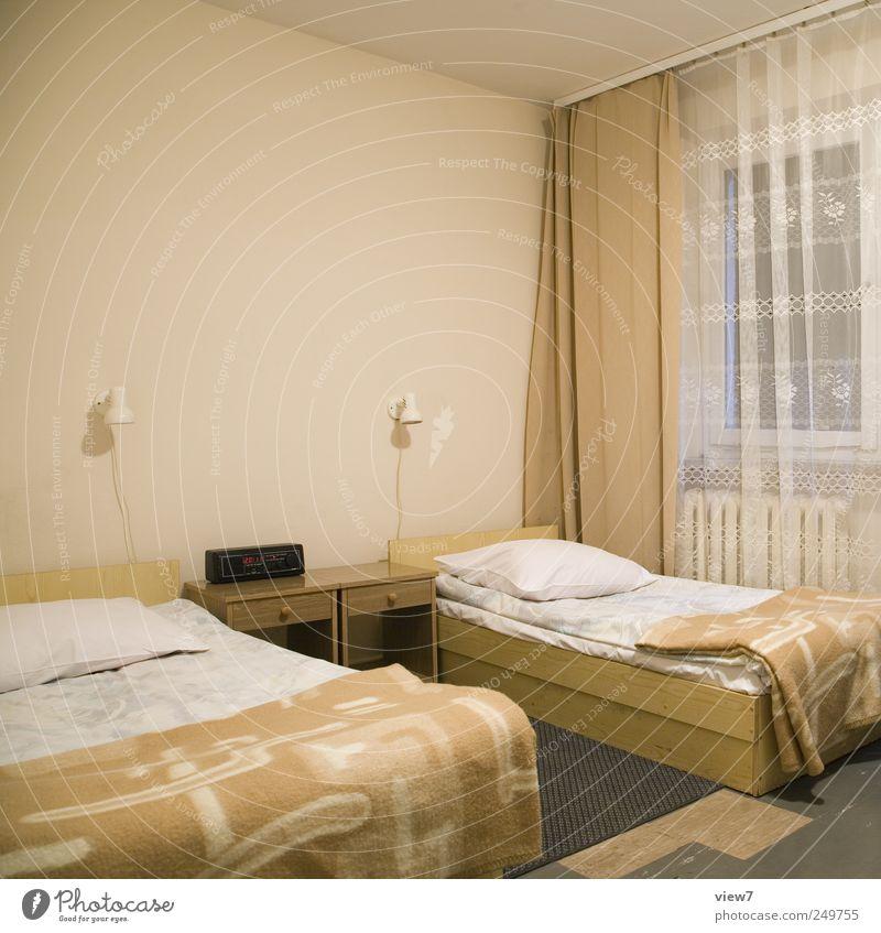 Motel Umzug (Wohnungswechsel) Dekoration & Verzierung Möbel Bett Tisch Raum Schlafzimmer Dienstleistungsgewerbe alt authentisch einfach modern Klischee Beginn