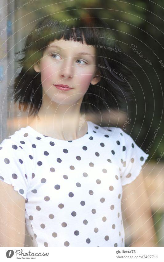 Am Fenster | Portrait einer jungen Frau hinter Fensterscheibe Mensch Jugendliche Junge Frau schön Leben Liebe Gefühle feminin 13-18 Jahre träumen Romantik