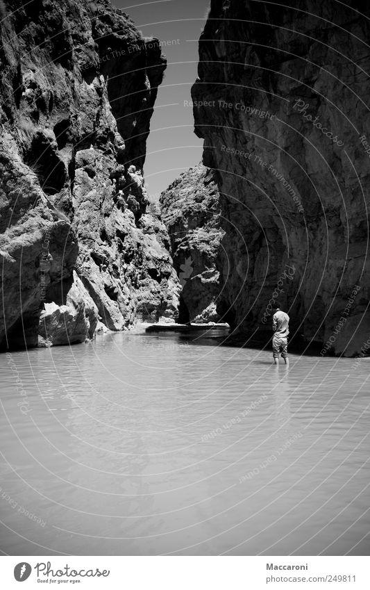 Schluchtenscheisser Mensch Natur Ferien & Urlaub & Reisen weiß Wasser Einsamkeit Landschaft Freude Ferne schwarz Berge u. Gebirge Freiheit maskulin Kraft