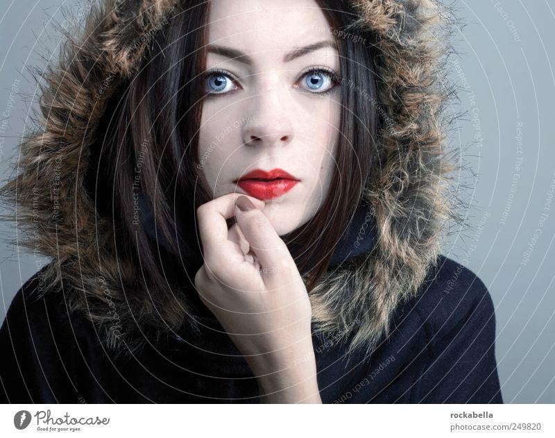 schnee. Frau Mensch Jugendliche schön kalt feminin Erwachsene elegant Mode ästhetisch Bekleidung einzigartig Klarheit Neugier