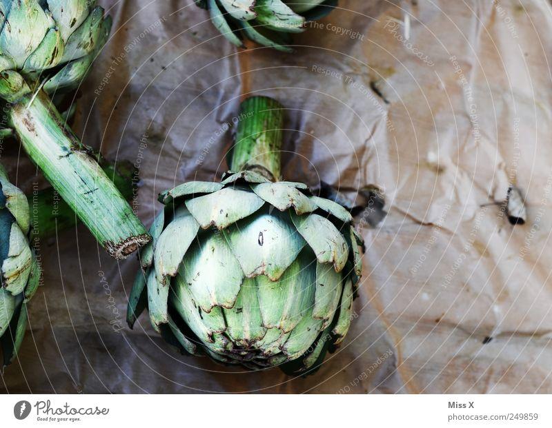 Arti Lebensmittel Gemüse Ernährung Bioprodukte Vegetarische Ernährung lecker grün Artischocke verkaufen Wochenmarkt Gemüsemarkt Marktstand Gemüsehändler