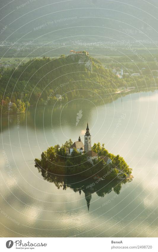 Bleder See mit Insel und Marienkirche vor den Julischen Alpen Natur Ferien & Urlaub & Reisen Sommer Wasser Landschaft Baum Wolken ruhig Umwelt Tourismus Kirche