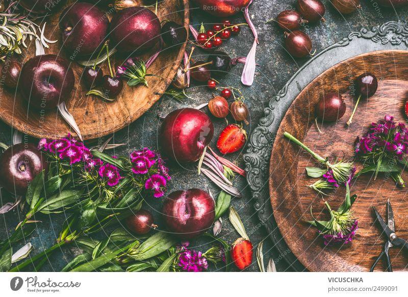Sommer saisonal Obst und Beeren Lebensmittel Frucht Ernährung Bioprodukte Vegetarische Ernährung Diät Geschirr Teller kaufen Stil Design Gesundheit