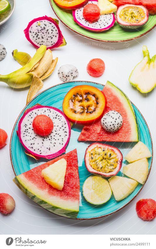 Tropische Früchte auf blauer Platte Lebensmittel Frucht Dessert Stil Design Gesundheit Gesunde Ernährung Sommer Mango Snack Wassermelone Ananas Maracuja