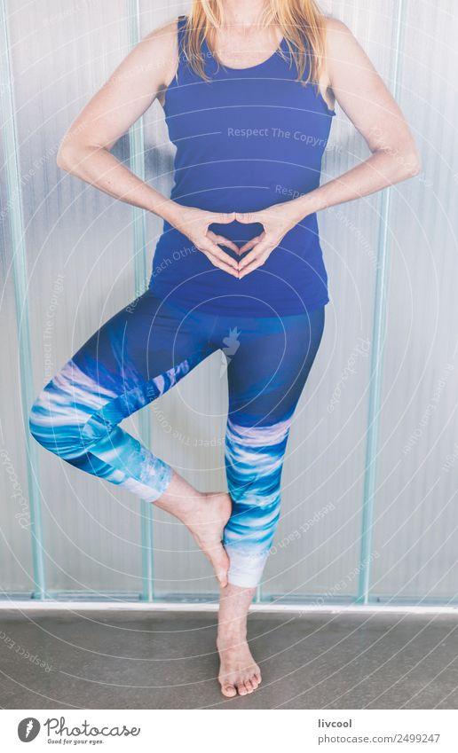 Yogastunde II, Spanien Lifestyle exotisch schön Gesundheitswesen Erholung ruhig Meditation Mensch feminin Frau Erwachsene Weiblicher Senior Fuß 1 45-60 Jahre
