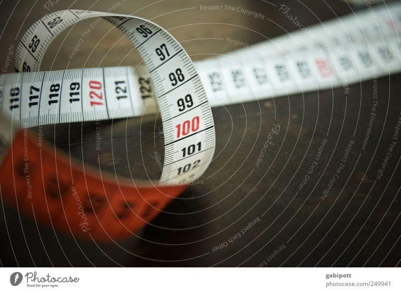 Maßnehmen alt schön Arbeit & Erwerbstätigkeit Angst rund retro Ziffern & Zahlen dünn Beruf Diät Handwerker Arbeitsplatz messen Nähen Schneider Perspektive