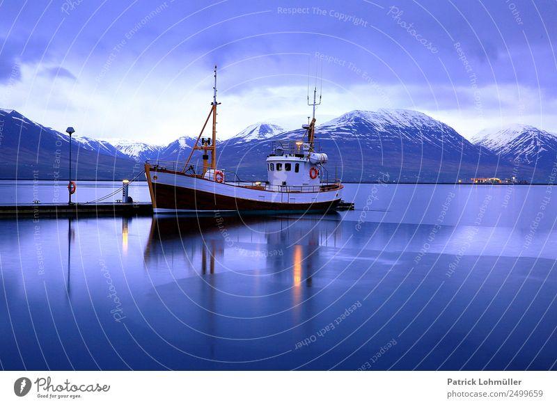 Fjord Akureyri Ferien & Urlaub & Reisen Tourismus Ferne Umwelt Natur Landschaft Wasser Himmel Wolken Wetter Schnee Island Europa Kleinstadt Hafenstadt