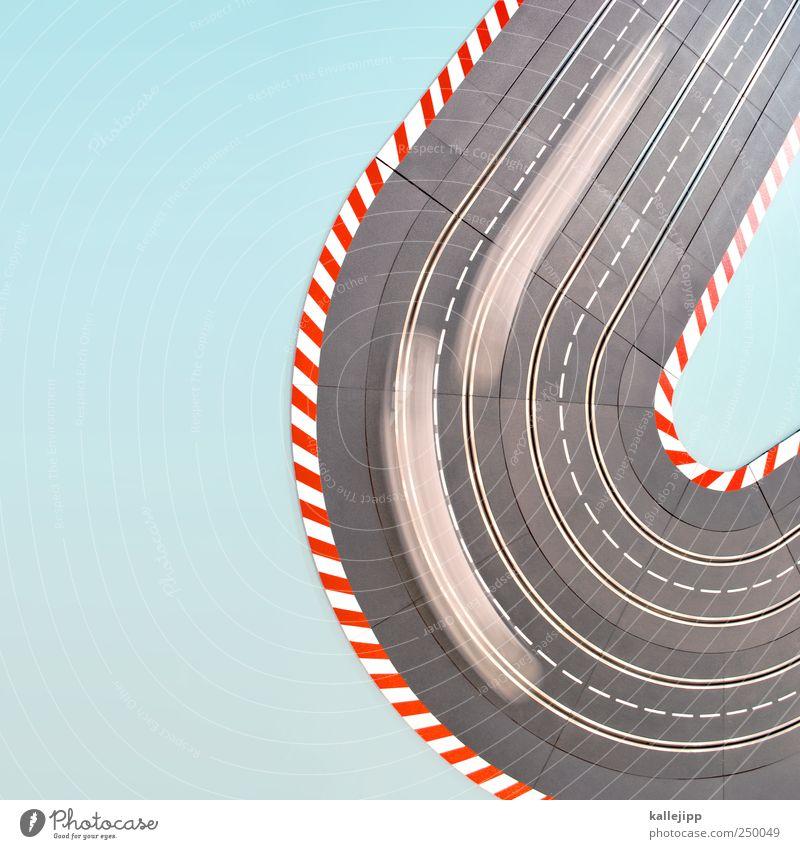 erfolgsspur Straße Sport Spielen PKW Linie Freizeit & Hobby Verkehr Geschwindigkeit Elektrizität Lifestyle Spielzeug Autobahn Verkehrswege Verbindung Fahrzeug Symbole & Metaphern