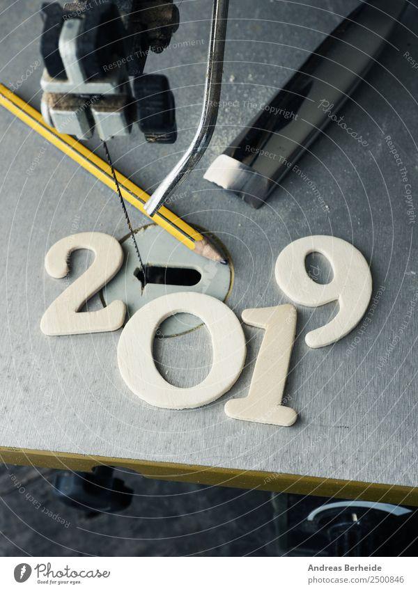 Jahreszahl 2019 mit Werkzeug, kreatives Jahr 2019 Weihnachten & Advent Winter Hintergrundbild Holz Business Freizeit & Hobby Schriftzeichen Kreativität