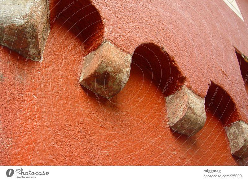 in Heidelberg rot Fassade Wand Haus robust Bauwerk Stabilität historisch Architektur Bogen Säule Stein alt Vergangenheit Altstadt Kraft
