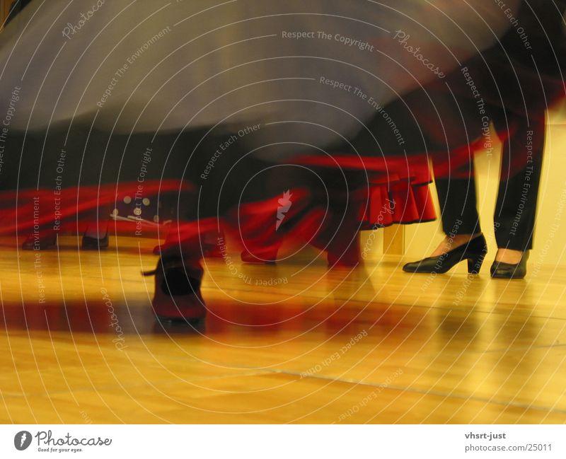 the fire of dance Geschwindigkeit schwarz Schuhe Bühne Kleid Frau Rhythmus Mensch Show Tanzen Brand Beine Musik