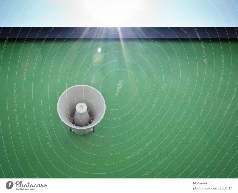 Beschallung&Bestrahlung Technik & Technologie Sonnenenergie Mauer Wand grün Lautsprecher Megaphon scheinend Betonwand Putz Klang Tontechnik Information