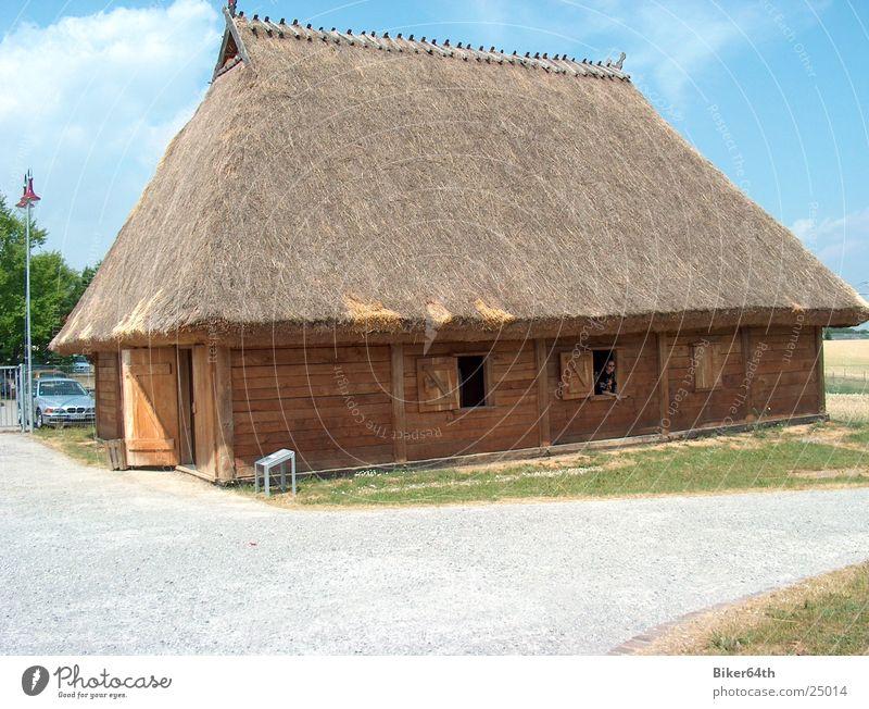 Keltisches Wohnhaus Haus Dorf historisch Lebensraum Kelten Strohdach