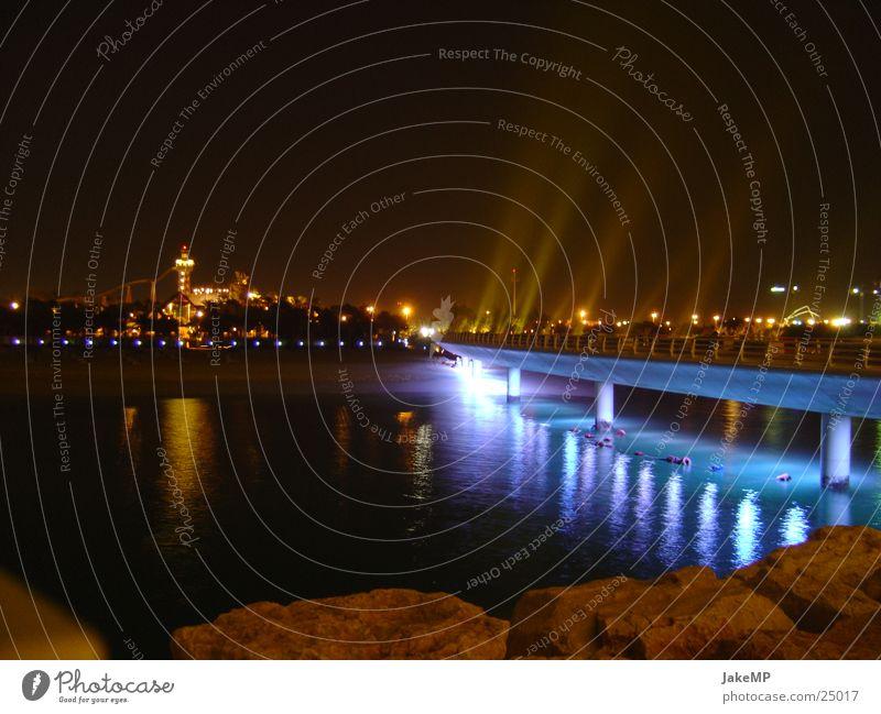 Lichtbrücke blau Erfolg Brücke Hotel Reaktionen u. Effekte Dubai