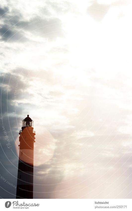 Lichtsicht Himmel Sonne Ferien & Urlaub & Reisen Meer Wolken Landschaft Küste hell Beleuchtung Insel Nordsee Schönes Wetter Leuchtturm erleuchten Blendenfleck