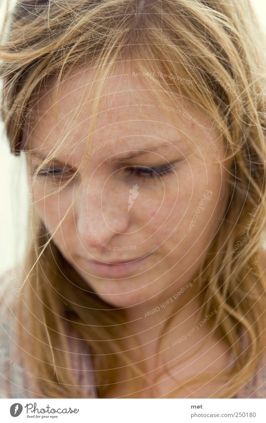 Choices Mensch Jugendliche Gesicht feminin Erwachsene natürlich nachdenklich 18-30 Jahre Junge Frau rothaarig
