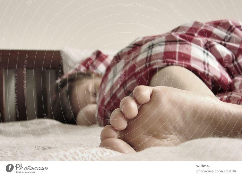 frühstück! Mensch ruhig Erholung Fuß liegen schlafen Bett Müdigkeit Zehen Erschöpfung Morgen