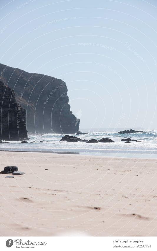 Drei Elemente Ferien & Urlaub & Reisen Sommer Sommerurlaub Strand Meer Wellen Sand Himmel Wolkenloser Himmel Schönes Wetter Felsen Küste Bucht Portugal Algarve