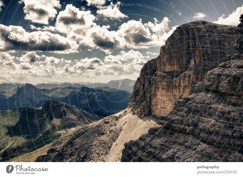 Es war einmal... Ferne Freiheit Berge u. Gebirge Natur Landschaft Erde Himmel Wolken Horizont Sommer Schönes Wetter Gras Wiese Feld Alpen Dolomiten Gipfel groß