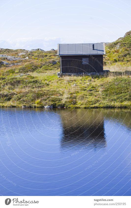 HÜTTENKÄSE Hütte wandern Bergen Norwegen Reflexion & Spiegelung Idylle Erholung Gebirgssee Skandinavien Natur unberührt Tourismus Einsamkeit tagstiles