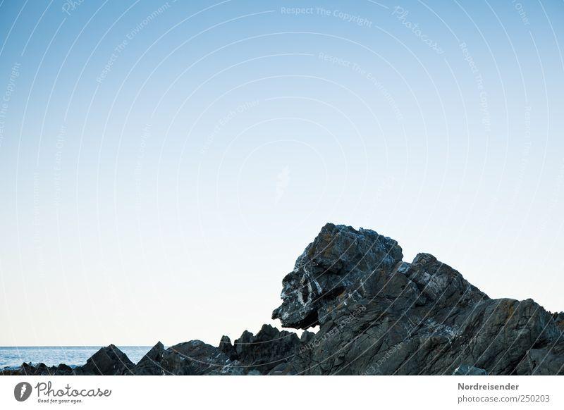 Metamorphose Natur alt Meer ruhig Ferne Küste Stein Urelemente außergewöhnlich gruselig Ewigkeit skurril bizarr Meditation harmonisch Glaube