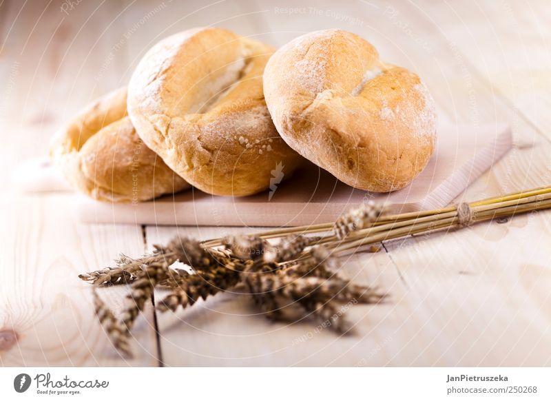 Stillleben-Sortiment an gebackenem Brot Lebensmittel Getreide Frühstück Bioprodukte frisch Farbfoto Studioaufnahme Menschenleer Licht