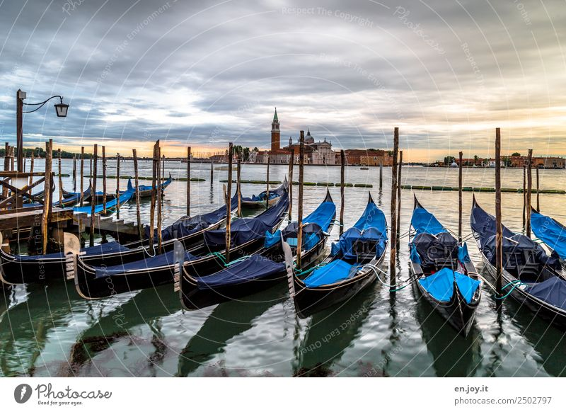 Vor Sonnenaufgang Ferien & Urlaub & Reisen Ausflug Städtereise Sommerurlaub Meer Umwelt Wolken Sonnenuntergang Venedig Italien Europa Stadt Hafenstadt Altstadt