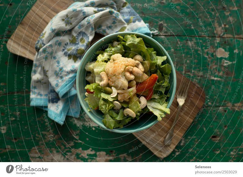 Blumenkohlsalat Lebensmittel Gemüse Salat Salatbeilage Paprika Cashew Nuss Salatblatt Ernährung Essen Mittagessen Abendessen Bioprodukte Vegetarische Ernährung