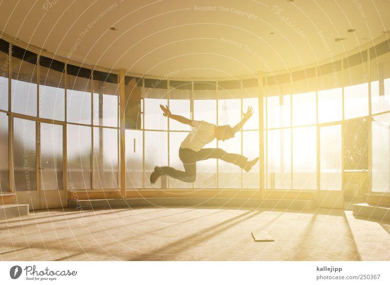 zimmer mit austritt Mensch maskulin Mann Erwachsene 1 Fenster springen Fensterfront Aussicht Farbfoto Innenaufnahme Licht Schatten Kontrast Silhouette