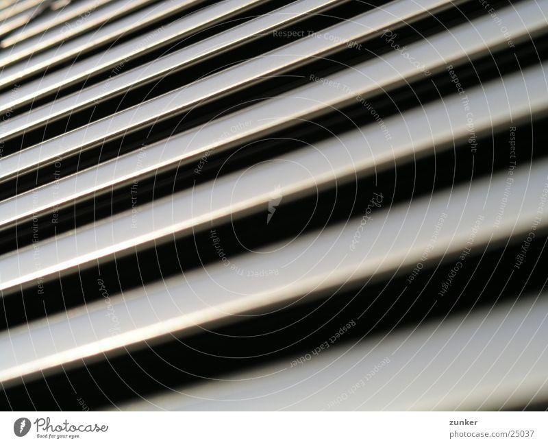 ohne spannung schwarz grau Architektur geschlossen Langeweile Jalousie