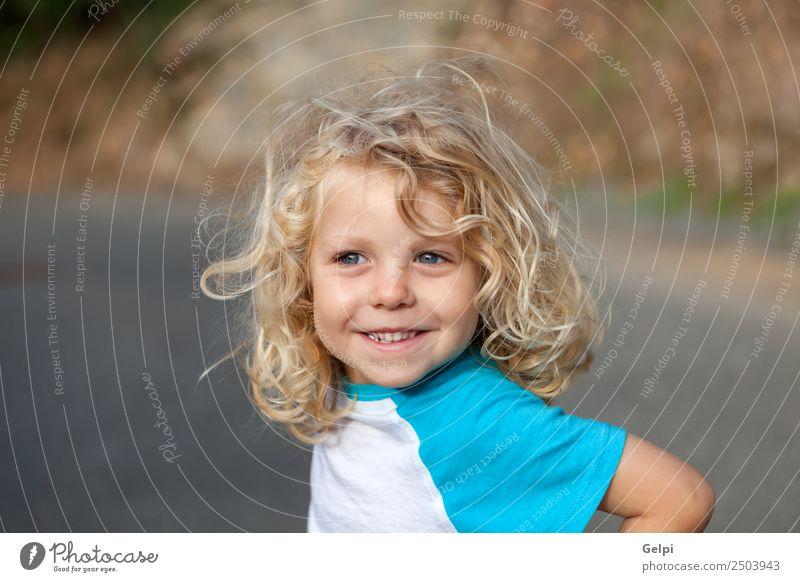 Kleinkind mit langen blonden Haaren Glück schön Gesicht Sommer Kind Mensch Baby Junge Mann Erwachsene Kindheit Umwelt Natur Pflanze Lächeln klein lustig