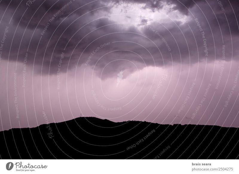 Himmel Natur blau Farbe Landschaft Baum Wolken Berge u. Gebirge dunkel Umwelt natürlich Gefühle Erde hell Regen Angst